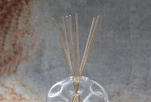 Home fragrances. Parfumes, Candles / Casarialto exclusive Home fragrances. A tribute to Tuscan nature. The hand blown glasses container will enhance the olfactory breeze of prairies, fresh linen, fig, verbena and sweet peas! Strictly made in Italy by traditional manufacturer.