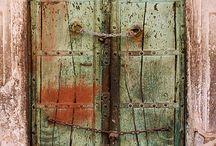 Doors / by Joanna Tyrała