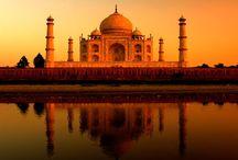 Taj Mahal  : l'une des sept Merveilles du Monde / Une topographie variée, la diversité culturelle, la belle campagne et les collines paisibles décrire l'Inde le meilleur. Une partie du continent de l'Asie, l'Inde est l'un des endroits multidimensionnelles du monde qui vaut le détour pour les loisirs. Accueillir à près d'un milliard de populations, l'Inde a un passé brillant regorge d'édifices architecturaux, des forts et des monuments.