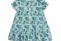 Schnizler / Tato německá značka se na trhu s dětským zbožím pohybuje již od roku 1923. Oblečení, které dodává na trh, se vyznačuje krásnými dětskými motivy, velmi kvalitními materiály a atraktivním vzhledem. Vaši nejmenší si přeci zaslouží nápaditý a roztomilý šatník.