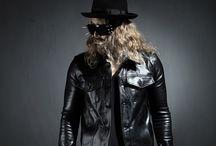 ByTheR- Modern Classic Urban Casual Glossy Gothic Black Classy Fashion / http://en.byther.kr/