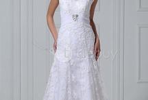 wedding dresses / ideas for lesley