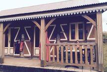 Mafate / De belles photos des Ilets du Cirque de Mafate à l'Ile de la Réunion. Le Cirque comporte plusieurs petits Ilets dont ; Aurère, Ilet à Malheur, Ilet à Bourse, Grand Place, La Nouvelle etc ... Et j'en parle souvent sur mon blog www.yumhbox.com/blog ...