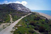 Agriturismo Torre Salsa / Sulla costa meridionale della Sicilia tra Agrigento e Sciacca, un luogo incantevole, poco conosciuto, dove la natura è ancora incontaminata.