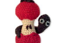 crochet apple & worm