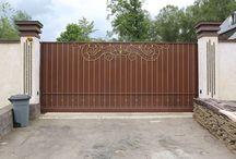 Покраска. Кованые ворота откатного типа с приводом для автоматического открывания / Кованые ворота откатного типа. Покраска. Cпециальные краски позволяют изменять как цвет, так и оттенок кованых изделий.