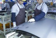 """Our People / Sumber daya manusia merupakan perhatian utama TMMIN untuk berinovasi dan membuat produk berkualitas terbaik. Motto """"Kami Membangun SDM Sebelum Membuat Produk"""" menjadi fokus utama TMMIN dalam rangka menghasilkan sumber daya manusia yang unggul dan berkontribusi pada pengembangan industri otomotif baik di Indonesia maupun di dunia."""