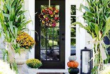 Outdoor Fall Decor / http://sothebysrealty.ca/blog/en/2015/09/09/outdoor-fall-decor-ideas/ #realestate #design #fall