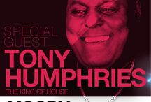 13.07.13 MOODY present TONY HUMPHRIES (IPM2013 / Tony Humphries playing on ONSET consolle in Rome @La Bibliotechina