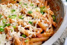 Food: Pastas / by Jessica Christine