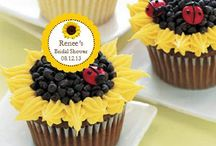 food, desserts, cupcakes / Cupcakes / by Susan Dorsey