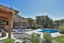Vakantie vieren als een God in Frankrijk! / Zoek je een luxe vakantieverblijf in Frankrijk? Leven als een God in Frankrijk? Bij AVAC Vakantiehuizen kan het!  http://www.avac.nl/nl/Vakantiehuizen/luxe-vakantievillas-in-frankrijk
