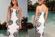 Letní krajkové šaty délky pod kolena s tenkými ramínky - bílé