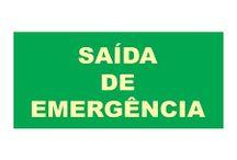 Placa Rota de Fuga / A rota de fuga é usada para indicar a saída de emergência, orientando quanto à direção da saída, escadas, portas-corta-fogo e não obstrução das mesmas