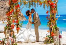 Roundup Post: Tropical Wedding Inspiration