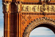 Barcelona monuments and urban art, Barcelona, monumentos y arte urbano / Este tablero pretende ser un paseo por esos monumentos, arte urbano y otras obras que podremos encontrar en la ciudad de Barcelona