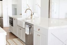 Brass Fixtures Kitchen / The latest trend in hardware- BRASS! It's bright, beautiful and warm. Take inspiration from this board and see all of the beautiful colors it pairs with.