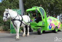 Village du Cheval de Travail au sein des Jeux Equestres Mondiaux en Normandie 2014 / Le Continent Européen a été choisi pour organiser les Jeux Equestres Mondiaux 2014, et c'est en France, plus particulièrement en Normandie. A cette occasion, la Commission Nationale des Chevaux Territoriaux a pu mettre en place au sein du Village des Jeux, un Village du Cheval de Travail, comportant une « Urban Zone » de démonstrations, un espace CNTC, et différentes activités de prestations comme la collecte de déchets ou l'arrosage des fleurs dans les allées du Village des Jeux.