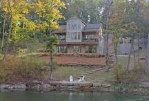 September Distinctive Properties / This month's Distinctive Properties include an incredible custom home with over 4,100 square feet on Innsbrook's largest lake, and secluded chalets near Innsbrook's championship golf course, amenities and serene lakes. Whether you like to golf, sail, fish, explore nature, or just relax in the outdoors, you can find your piece of paradise at Innsbrook! Read more below and also learn about some of our exciting upcoming fall events!