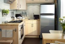 Kitchens / by Holly Boaz