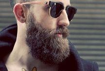 Haircuts & Besards / Classics haircuts and razor beards.