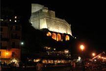 Chiese e Castelli - Wedding Location / Chiese e Castelli tra La Spezia e Lunigiana - Italy Il mare e i castelli medievali rendono questa zona piena di fascino e mistero