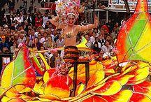 Carnaval / Ya viene el Carnaval, en Tenerife se celebra a lo grande y se celebra con mascaras, disfraces, y con los amigos. Feliz carnavaaaaaaal.