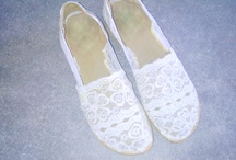 DIY lace Espadrillas inspired Valentino  / by The Mora Smoothie