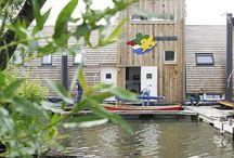 Scouting Ark / De waterscouts uit Wijchen waren toe aan een nieuw clubhuis en vroegen ons een ecologisch ontwerp te maken. Een echt 'bottom-up' project waarbij de scoutvereniging via social media talrijke mensen zo enthousiast wist te maken dat ze vrijwillig bijdragen leverden in de vorm van know-how, mankracht of een donatie.