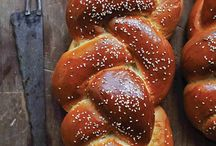 Challah, Challah and more Challah... / Everything to do with Challah. Great recipes and pictures that I have found via Pinterest. www.artsncraftsisrael.com