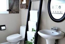 Bathrooms / by Jessica Hawkins