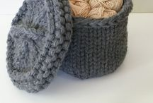 Chunky Knit / Who doesn't love looking at gorgeous woolly textures? Indulge yourself in life's little luxuries.  If you would like me to make something similar for you get in touch at https://www.kingandeyecrochet.com/lets-talk.html