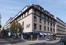 Sixt & Wyndham Hotel Group / Drüben auf Instagram könnt Ihr ein super Paket gewinnen. Und zwar einen Gutschein für ein Wochenende im Wyndham Grand Frankfurt für 2 Personen inkl. Frühstück sowie einen Sixt Mietwagen der Kategorie CLMR (z.B. einen MINI).  Dafür braucht Ihr nur euer schönstes Herbstbild mit dem Hashtag #SixtHerbsttraum zu markieren und öffentlich auf Instagram zu teillen.  Teilnahmebedingungen: http://sixt.info/Gewinnspiel_SixtHerbsttraum14
