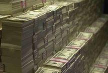 Dinheiro,dinheiro,dinheiro!!! / O que voce compraria com muito dinheiro,coloque aqui seus sonhos de cosumo,minimo 10 pins por dia,pornografia e nudez será excluida assim como o pinador.Obrigada,divirta-se.