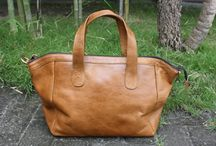 Tas Kulit Asli / Tas kulit exclusive dengan design simple dan elegant. Info dan Pemesanan Call / SMS : 087738378889 | PIN BB : 2B1B3930