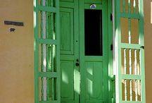 Belas portas e janelas...