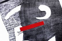 Paweł Naumowicz /  Zajmuje się grafiką, malarstwem oraz rysunkiem. Wśród licznego zbioru grafik, największy stanowią grafiki wykonane techniką linorytu. Choć tematyka i forma prac jest zróżnicowana wiele z nich odnosi się do problemów egzystencjalnych - samotności, wyobcowania, zmagań człowieka z samym sobą, zawieszenia gdzieś w czasie i odrealnionej przestrzeni. Autor od 2007 roku stale współpracuje z Art Gallery Kafe, w Wood Dale, w USA.