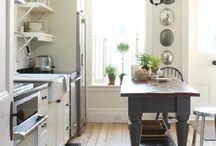 Kitchens / by Cheryl Emerson
