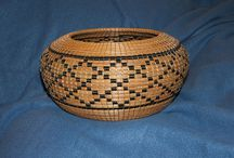 Pine needle baskets / by Bonnie Gregory