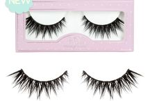 HOL Minis / Now introducing our Mini Collection by House of Lashes! Your favorite lashes have now been miniaturized! Our Iconic, Boudoir, Siren & Wispy lashes have been scaled down for a more comfortable fit by shortening the lash band and lash length. An ideal fit for those with smaller eyes or those who lust for a more natural look from their favorite styles!     Handcrafted using 100% cruelty-free synthetic fibers and/or human hair.