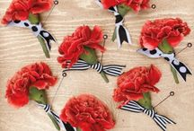 Grooms Boutonniere / Enhance your tux or suit with a nice boutonniere