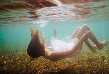 Underwater Photography Examples For Inspriation / Photographers are finding new ways and techniques to get their ideal picture though hard to stand in this selfy world. There are many events taking place like underwater marriage, beach wedding etc. Here we shares some of the awesome underwater photography examples which can act as an inspiration element to your photography skills.