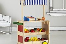 Play Kitchens & Stores