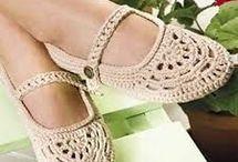 sapatilhas e sapatos de crochê