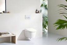 Geberit | AquaClean / Geberit AquaClean reinigt u op een absoluut natuurlijke manier met water. De warme douchestraal zorgt voor pure hygiëne en geeft de hele dag een aangenaam, fris gevoel | www.geberit.nl | douchewc | sanitair | toilet | badkamer | design | interieur | interieurdesign | interiordesign