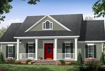 Colonial Homes / by Marcie McRae