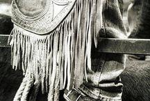 Fascinating leatherwork / by Dusty Vampire