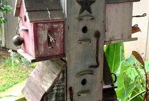 Birdhouses & Feeders / DIY birdhouses and feeder ideas. how to make a bird how, how to make a bird feeder,  make a birdhouse,  handmade birdhouses and feeders, handcrafted birdhouses and feeders