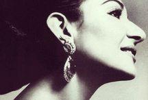 CALLAS, la Divina / Maria Callas, translitterazione di Anna Maria Cecilia Sophia Kalos, contrazione dell'originario Kalogeropoulos, in greco Άννα Μαρία Καικιλία Σοφία Καλογεροπούλου (New York, 2 dicembre 1923 – Parigi, 16 settembre 1977), è stata un soprano statunitense di origine greca, naturalizzato italiano e successivamente greco.
