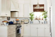 Kitchens / by Meredith Webber